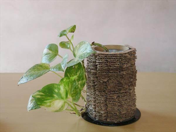 diy recycled cardboard vase