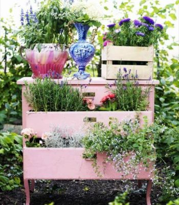 diy recycled dresser planter