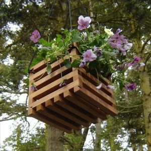 diy recycled wooden basket