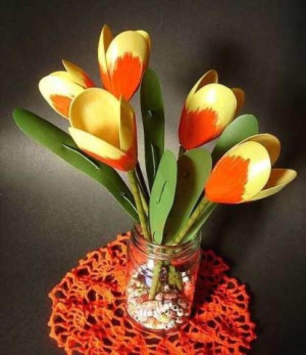 handmade plastic spoon tulip