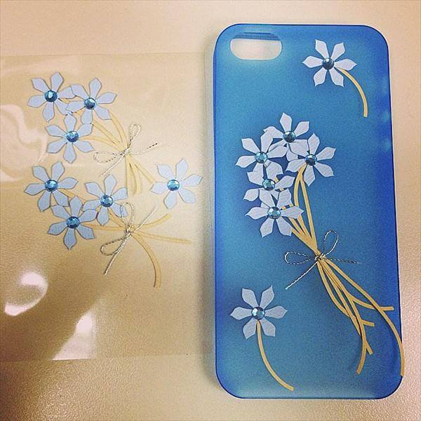 beautiful scrapbook flower phone case