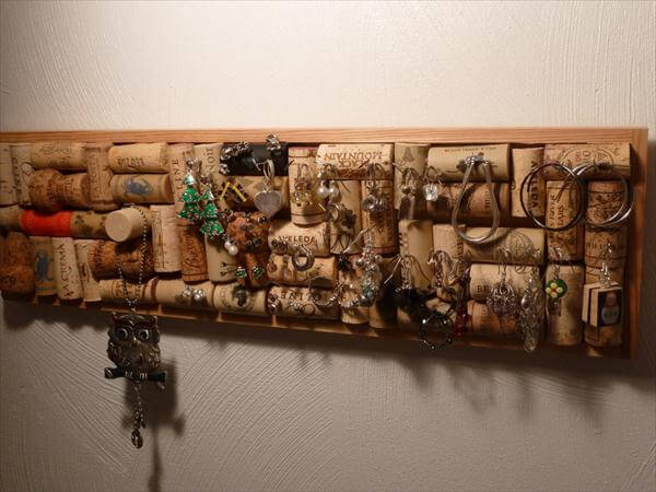 diy cork jewelry organizer