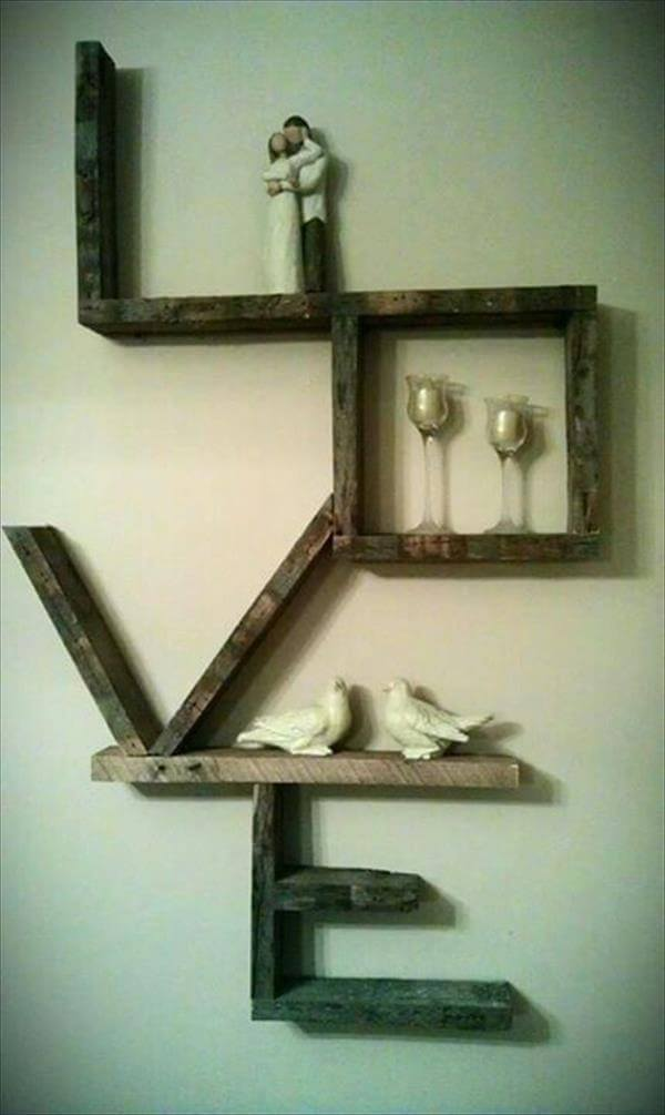 pallet love wall shelf