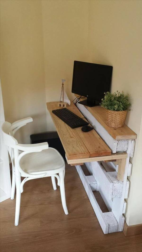 which pallet space saving desk