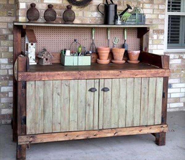 repurposed pallet rustic potting bench